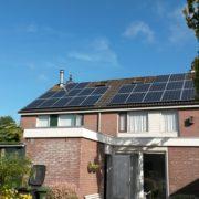 Suntech zonnepaneel met SMA omvormer in Balk